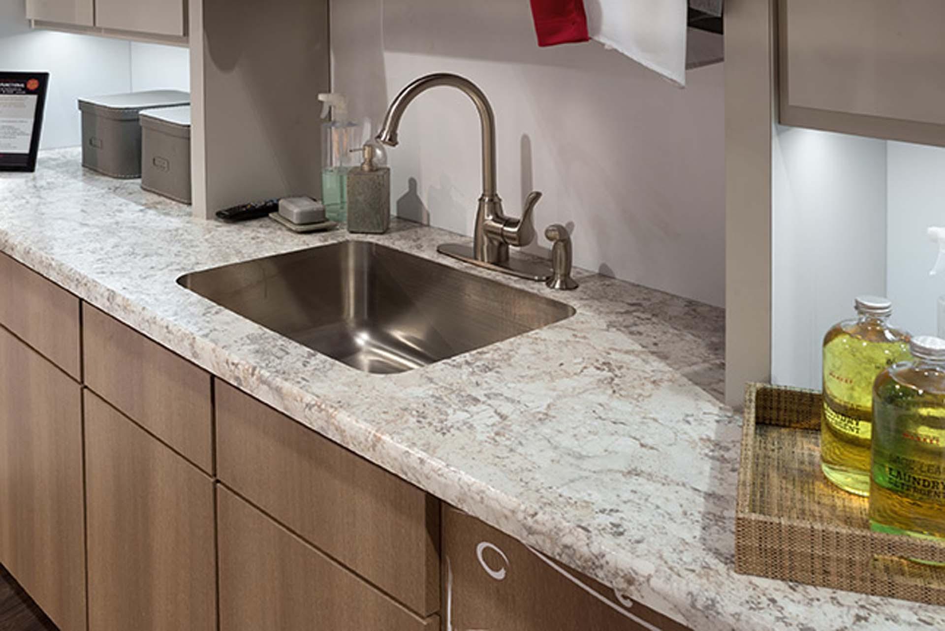 Laminate Counter Kitchen1
